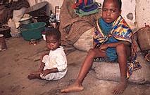 LES PROBLEMES DE L'EAU EN AFRIQUE INTERESSERAIENT LA COMMUNAUTE INTERNATIONALE ET LA FRANCE  DIXIT MONSIEUR CHIRAC ?