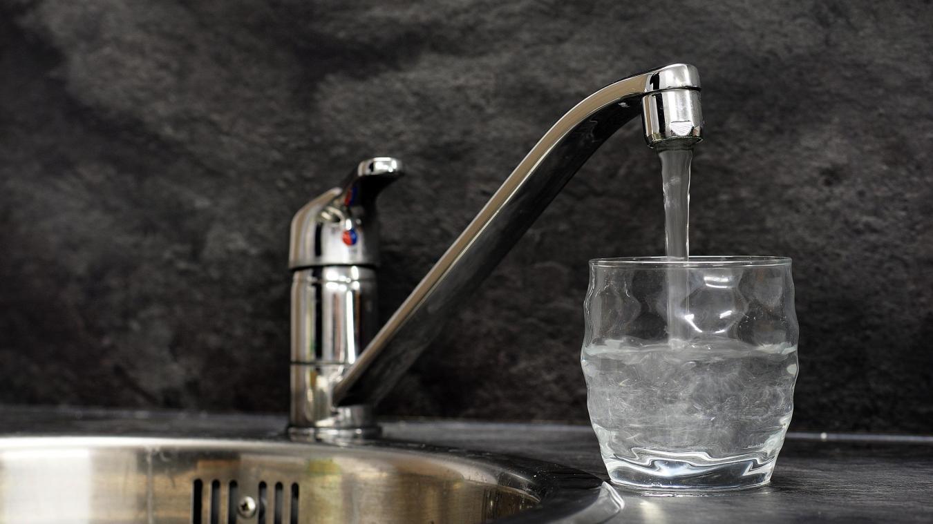 la Voix du Nord Roumanie Veolia soupçonné d'avoir fait doubler le prix de l'eau Le parquet national financier enquête sur Veolia, à savoir s'il a pu avoir connaissance des agissements de sa filiale éclaboussée par un scandale de corruption présumée
