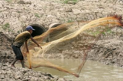 Journée mondiale de l'eau: Des milliards déversés sans efficacité.