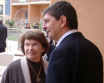 Danielle Mitterrand et Jean-Luc Touly : 2 des Organisateurs de la Journée de manifestation contre SUEZ