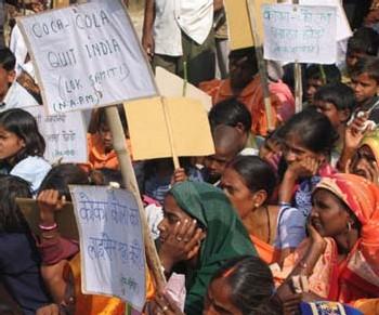 La privatisation de l'eau selon Vandana Shiva : <br><center><font color='red'><h4>'Seulement 0.1% des gens considère l'eau comme un bien marchand ; il ne faut pas les laisser faire'</center></font>