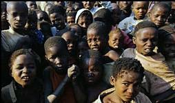 La sécheresse, le manque d'alimentation démolit la Somalie