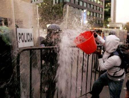 Manifestants contre le forum mondial de l'eau