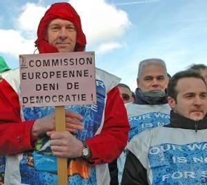 BRUXELLES : UNE ACTION REUSSIE LORS DE LA JOURNÉE MONDIALE DE L'EAU