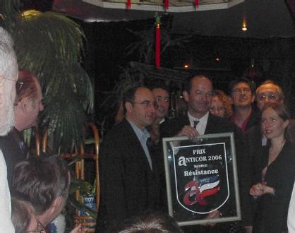 3ème remise des prix Anticor de la résistance à 5 syndicalistes de Veolia licenciés par le Ministre de l'Emploi