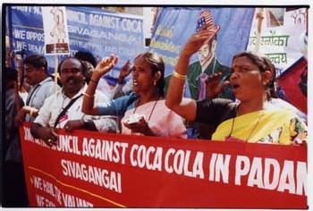 Une marche pour le droit à l'eau en Inde, Coca-cola et Pepsi en ligne de mire.