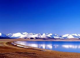 La désertification du tibet aux abord des lacs