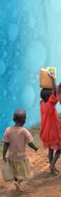 RD Congo Bukavu : les enfants vendent de l'eau contre du manioc