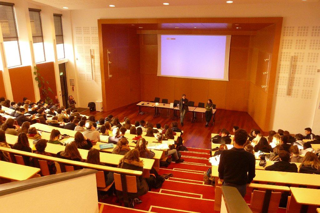 PROJECTION ET RENCONTRE SUR LA GESTION DE L'EAU au Lycée Victor et Hélène Basch de Rennes 26 janvier 2017